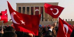 Anıtkabir vatandaşların akınına uğradı