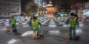 Osmangazi'de gece gündüz demeden temizlik