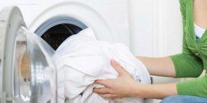 Çamaşırları bembeyaz yapmanın püf noktası