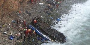 Otobüs uçuruma düştü: 48 ölü