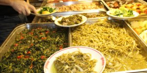 Ayvalık'ta ot yemekleri festivali