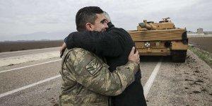 Zeytin Dalı Harekatı'na katılan askerlere sevgi gösterisi