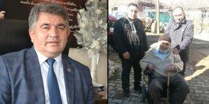 Başkan'dan vatandaşa akülü tekerlekli sandalye