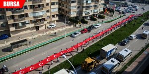 400 metrelik Türk bayrağıyla 3 kilometre yürüdüler