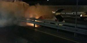 İstanbul'da trafiği kilitleyen yangın!