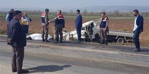 Bursa'da facia! Baba oğul aynı kamyonette hayatını kaybetti