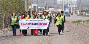 Ankara'ya yürüyen kadınlar İnegöl'e ulaştı