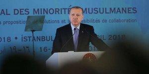 Erdoğan: Çifte standart karşısında sahada olmamız gerekiyor
