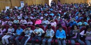 220 öğrenci birlikte kitap okudu
