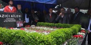 Bursaspor'un şampiyon başkanı mezarı başında anıldı
