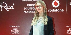 Kürk Mantolu Madonna dijital ortamda