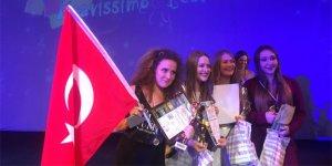 Bursalı gençler Ukrayna'dan birincilikle döndü