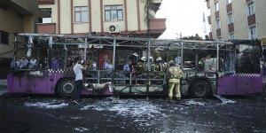 Seyir halindeki özel halk otobüsü yandı