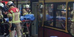 Almanya'da tren istasyonunda bıçaklı saldırı