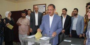 Bakan Özhaseki'nin oy kullandığı sandıktan 'Erdoğan' çıktı