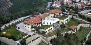 FETÖ'nün Bursa'daki malikanesinde gizli bölme ve altın arandı