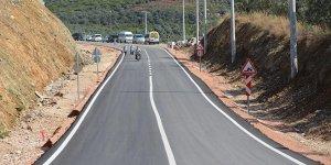 Hastane yollarında sıcak asfalt çalışması
