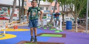 Karacabey'deki parklarda yenileme çalışmaları