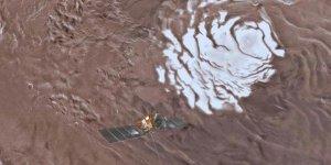 Tarihi gelişme! Mars yüzeyinde su gölü bulundu