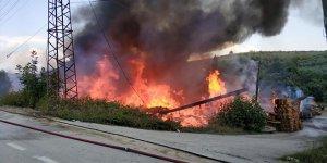 Bursa'da korku dolu dakikalar! Fabrika alev alev yandı