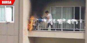 22 katlı binada yangın paniği! 'Kuşlar gelmesin' diye...