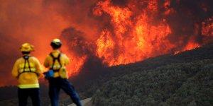 Kaliforniya tarihinin en büyük yangınını yaşıyor