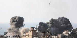 İsrail'in saldırılarında Filistinli anne ve bebeği şehit
