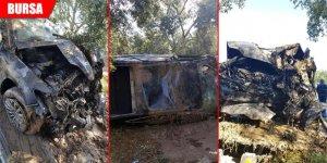 Tarlaya uçan otomobil yandı: Yaralılar var...