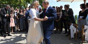 Putin gelinle dans etti