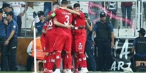 Antalyaspor Beşiktaş'ı 3 golle yendi