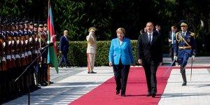 Merkel'in ayak sesleri