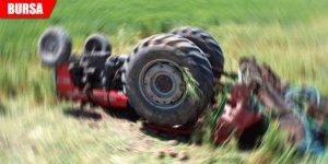 Traktör devrildi: Yaralılar var