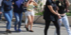 Bursa'da 'tırnakçı'lara operasyon: Çok sayıda kadın gözaltında...