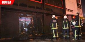 Eğlence mekanının bulunduğu binada yangın!
