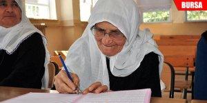 Bu okulun en genç öğrencisi 67, en yaşlısı 87 yaşında