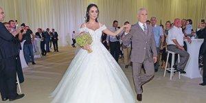 Başkan Bozbey kızını evlendirdi