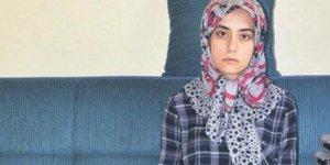 Annesi ve babasını öldüren katilden, ölü taklidi yaparak kurtuldu