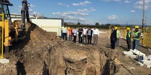 Yenişehir'de yeni okul için ilk kazma vuruldu