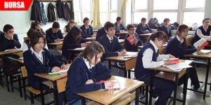 Sınıf mevcutları 40'ı aştı