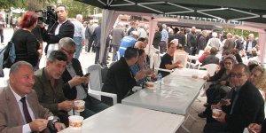 Kestel CHP'den aşure ikramı