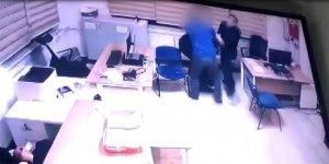 Polis merkezinde demir çubukla polise saldırdı