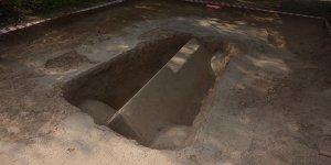 İznik'teki zeytinlikte mozaikli lahit bulundu