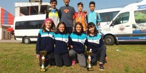 Osmangazili atletlerin şampiyonluk sevinci