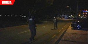 Elindeki silahla havaya ateş etti! Polis alarma geçti