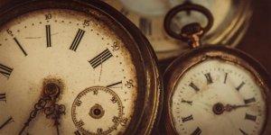 İngilizcede saati söylerken kullanılan 'O'Clock'  ifadesindeki 'O' nereden geliyor?