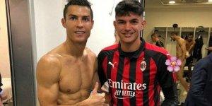 Dünyaca ünlü futbolcu farkında olmadan çıplak görüntülendi!