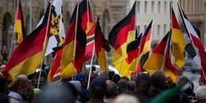 Yaklaşık 500 Neo Nazi 'kayıp'