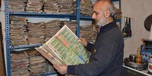22 yıldır spor gazetesi biriktiriyor