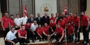 Cumhurbaşkanı Erdoğan, Ampute Milli Futbol Takımı'nı kabul etti