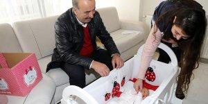 Minik bebeklere Türkyılmaz'dan ziyaret